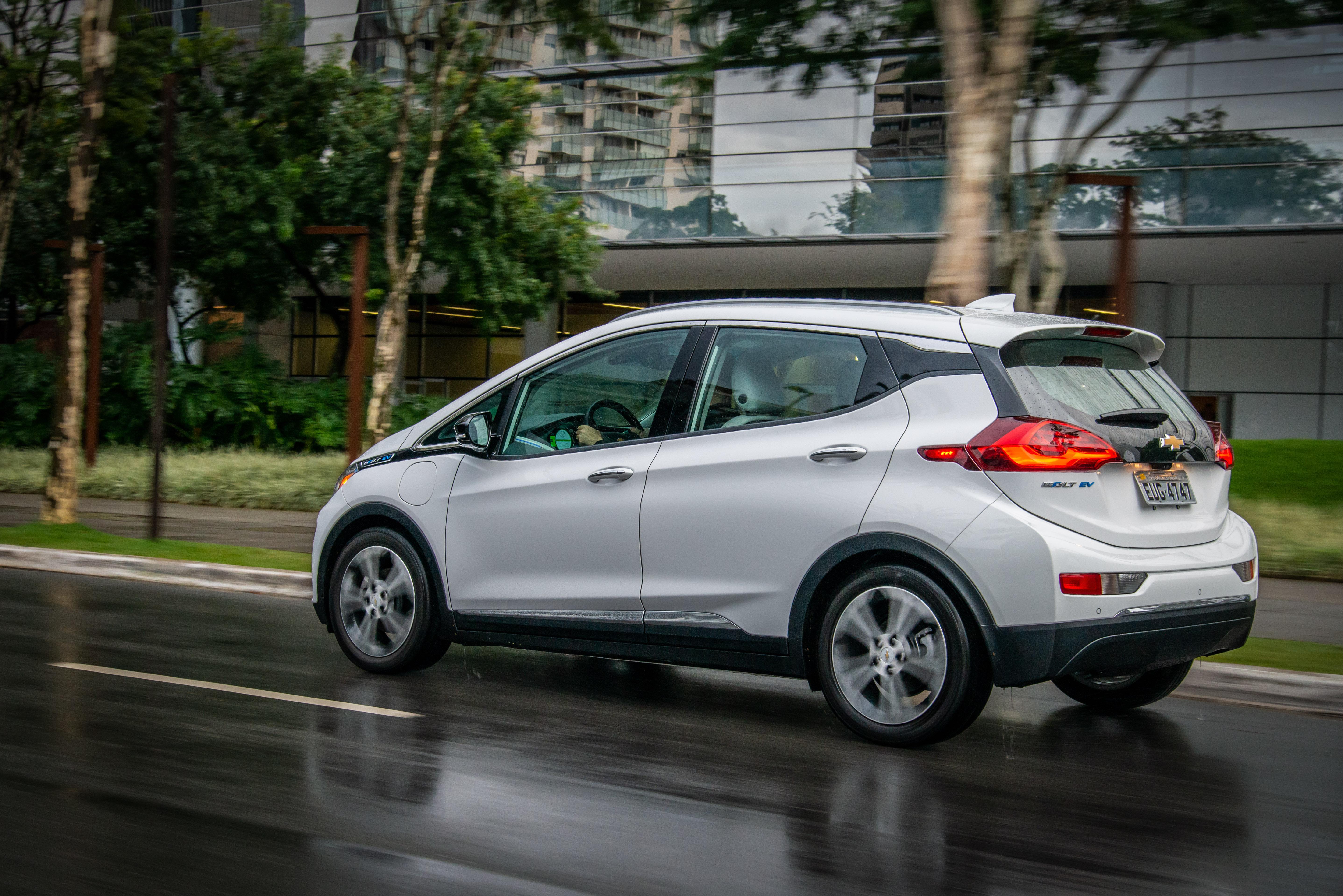 Bolt-EV-DA-GM-venda-começa-em-12-cidades-5