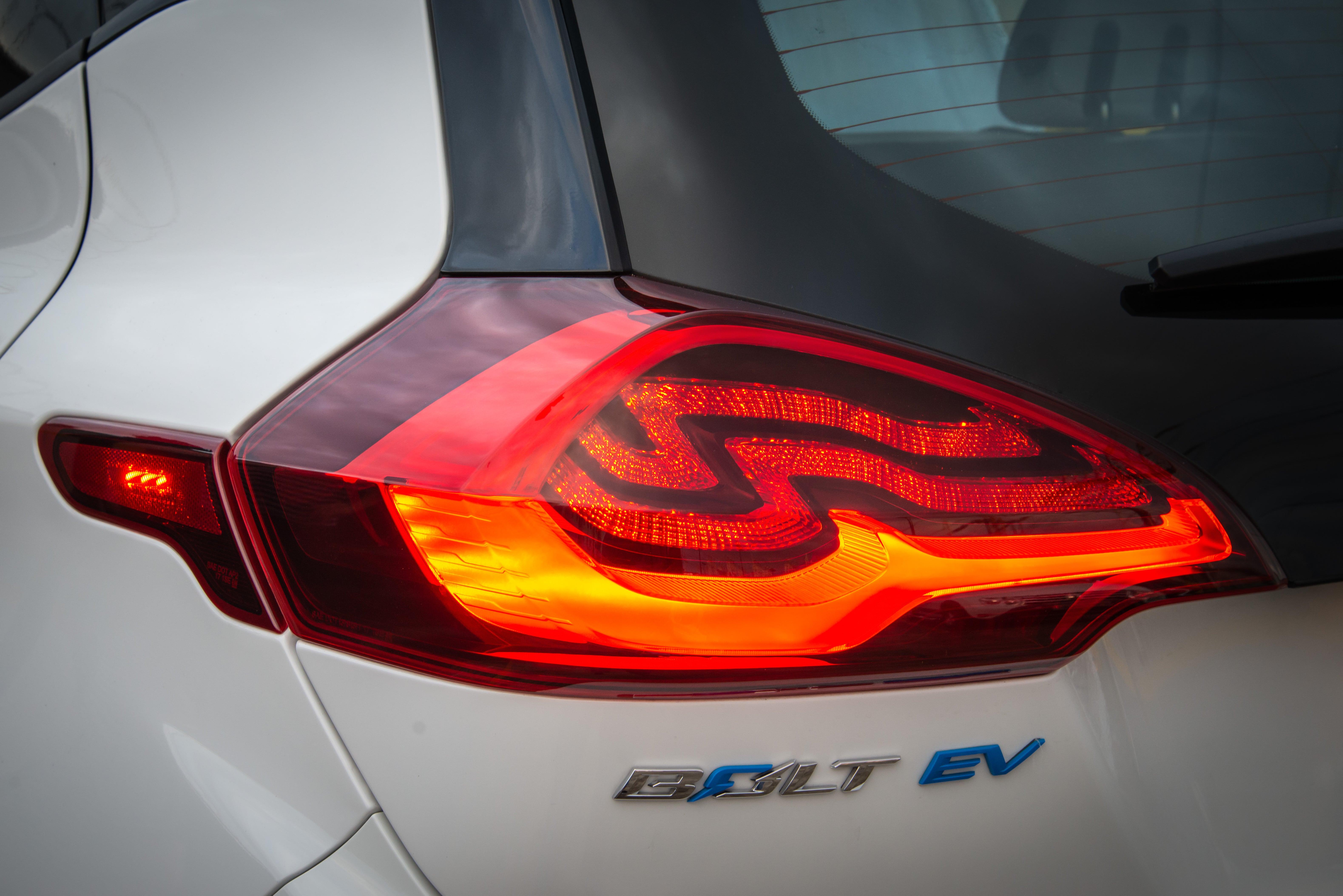 Bolt-EV-DA-GM-venda-começa-em-12-cidades-6