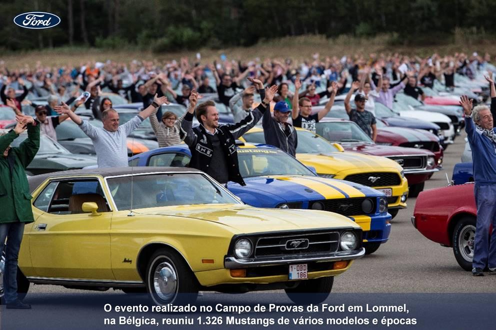 Ford registra novo recorde mundial com a maior caravana de Mustangs da história