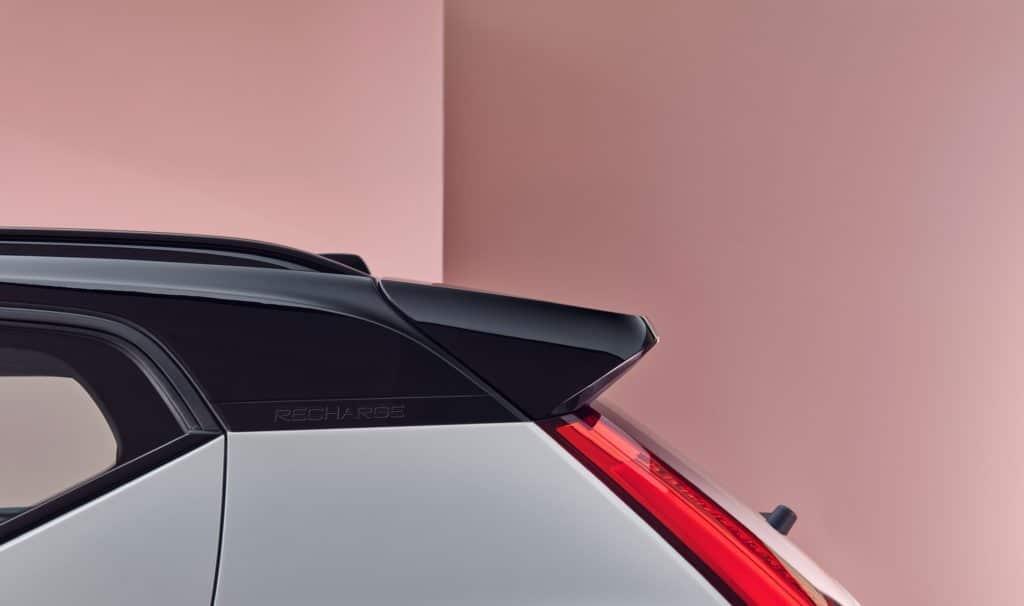 Volvo Cars lança o XC40 Recharge, seu primeiro veículo 100% elétrico, como parte da nova linha de carros eletrificados