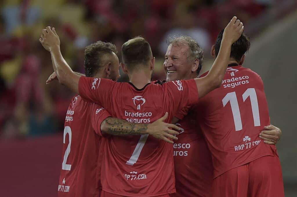 Jogo das Estrelas lota o Maracanã em dia de celebração da cultura do futebol