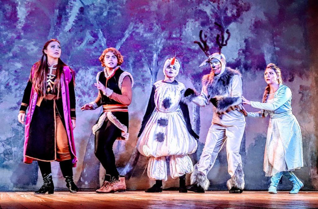 Uma Aventura na Neve ll até 01 de março no Teatro Fashion Mall
