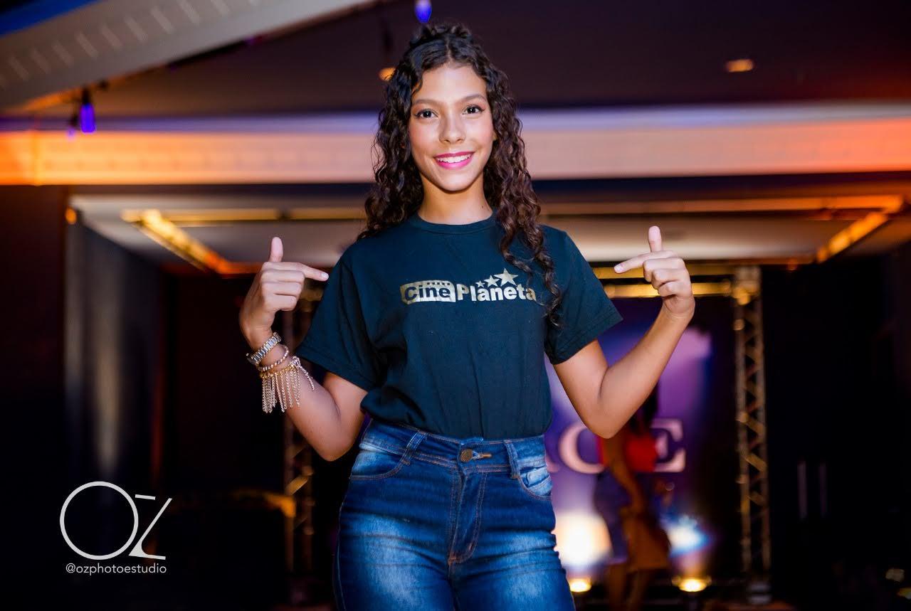 Jenny Rodrigues no Show de Talentos do Cine Estrelas