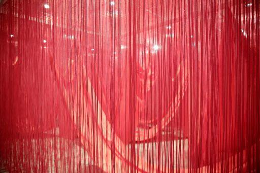 mostra da artista japonesa Chiharu Shiota
