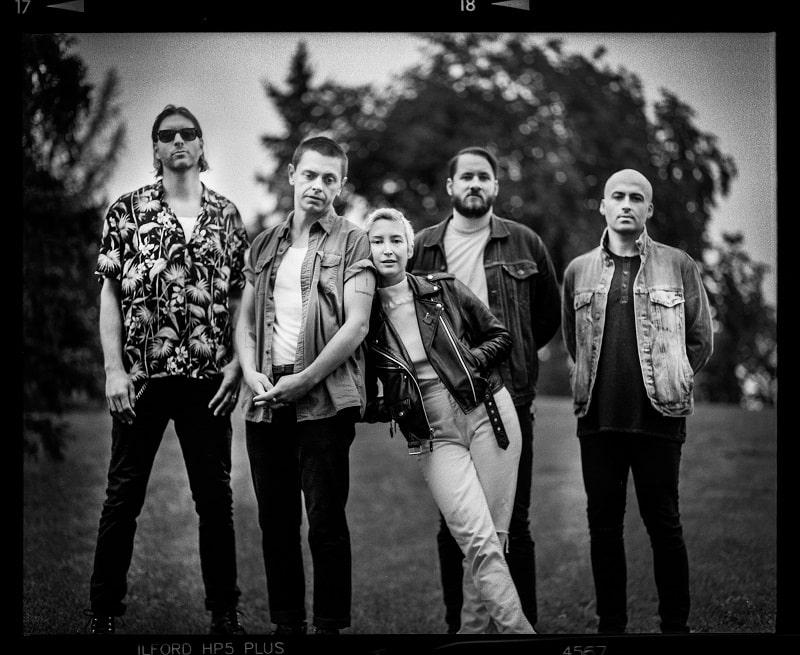 Banda canadense July Talk