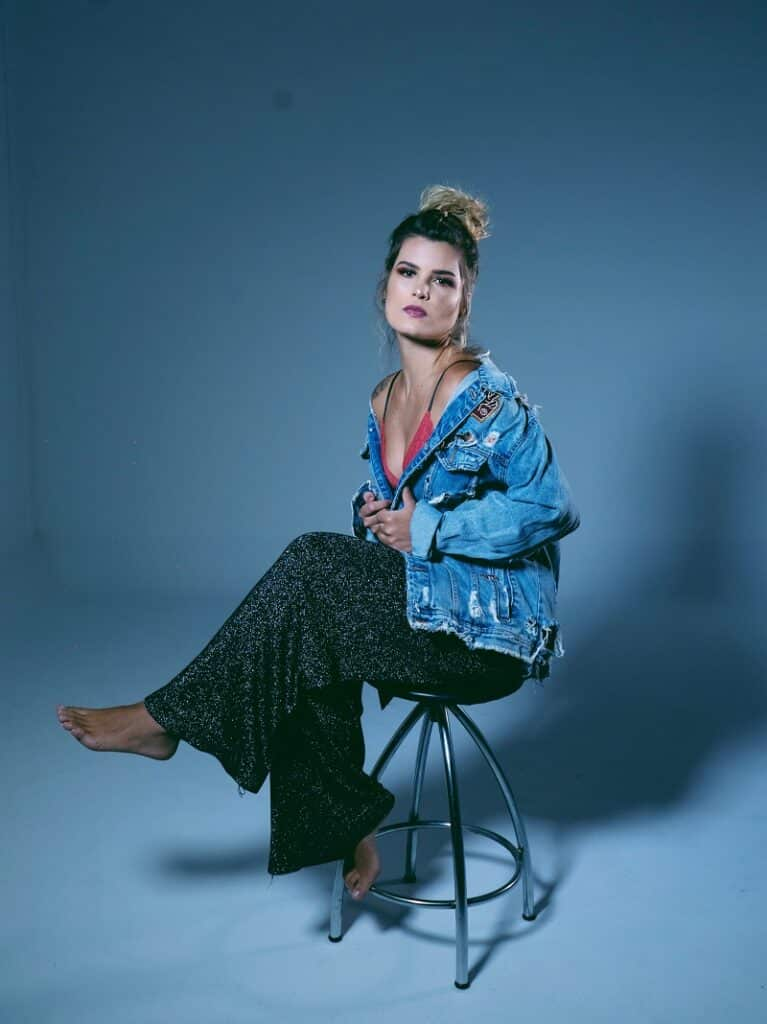 Cantora Kamatos lança nova música neste fim de semana