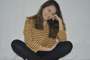 Julia Farias – Atriz e cantora – 19 anos
