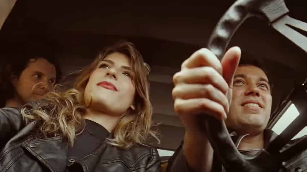 Playmoboys retorna às origens no novo single Na Praia