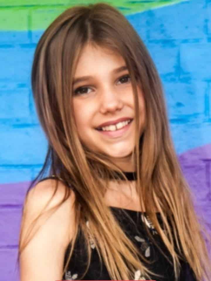 Laura Froner no Show de Talentos do Cine Estrelas