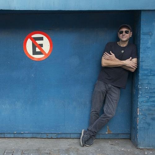Guto Goffi fara temporada do seu álbum C.A.O.S na Casa de Cultura Lauro Alvim