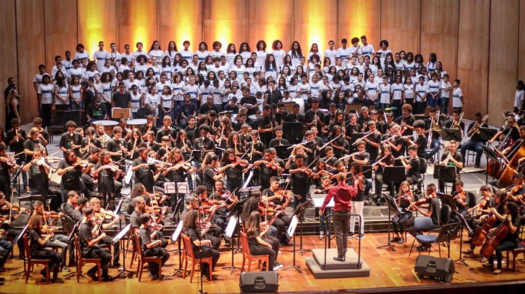 Orquestra nas escolas especial Semana da Consciência Negra