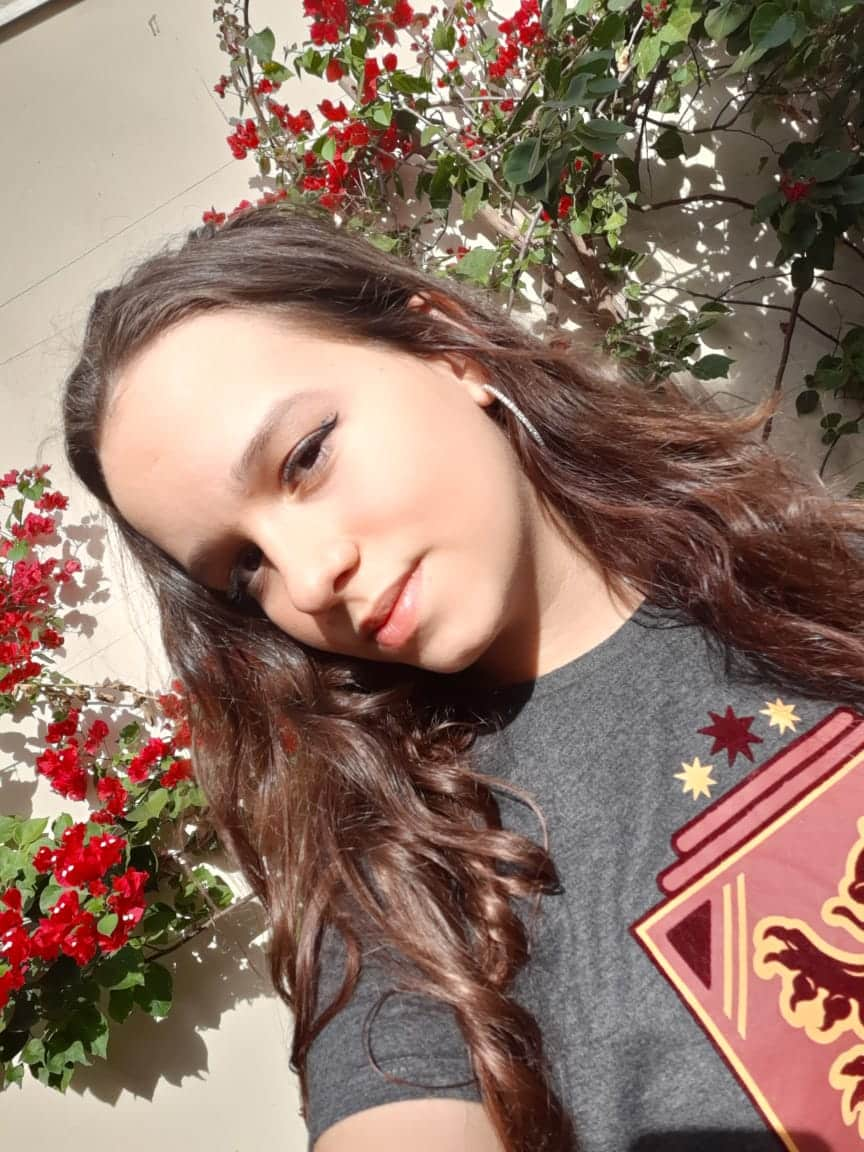 Luisa Cangemi Fernandes entrevista no Show de Talentos Cineplaneta