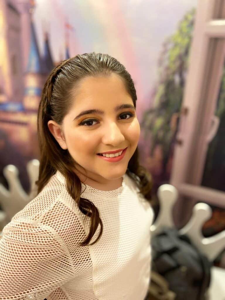 Maria Clara Ardigo entrevista Show de Talentos Cineplaneta (4)