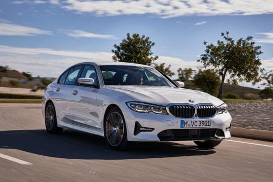 BMW Série 3, sedan premium mais vendido do país, ganha motor Flex e tecnologia digital key