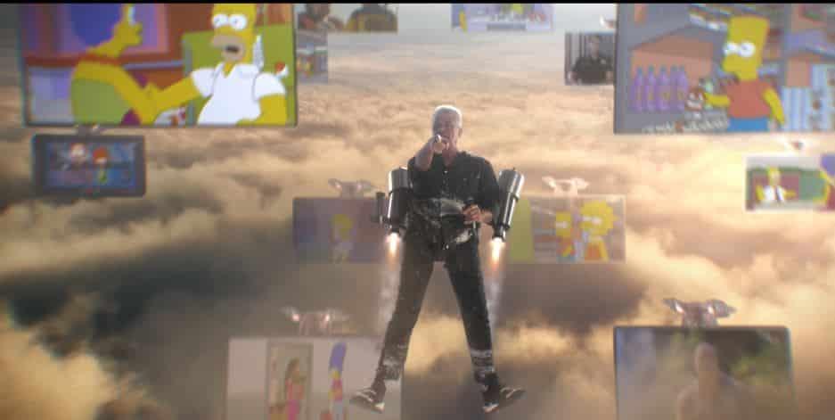 Lulu Santos estrela campanha dos canais STAR, com releitura de música icônica