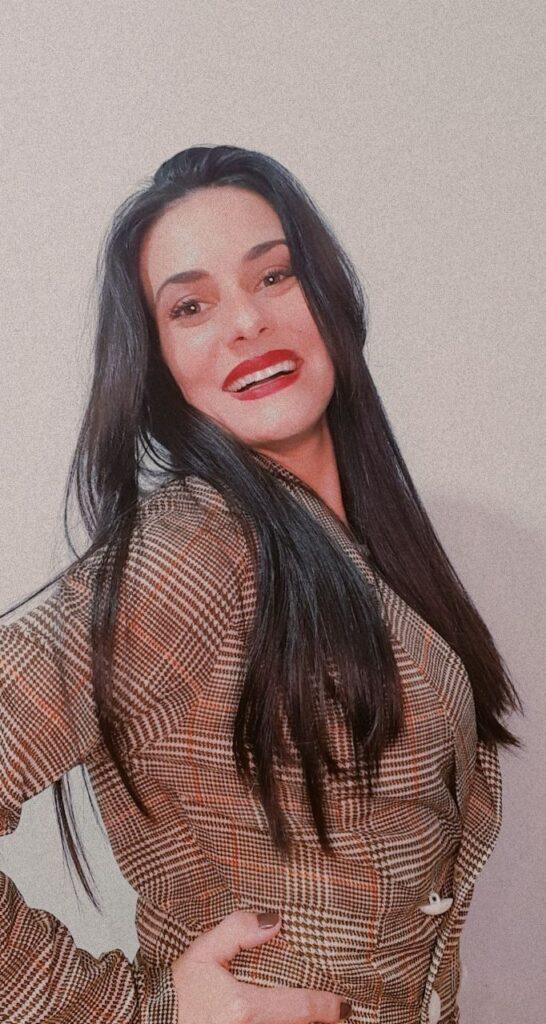 Lívia Leite entrevista no Canal estrelas do Cineplaneta