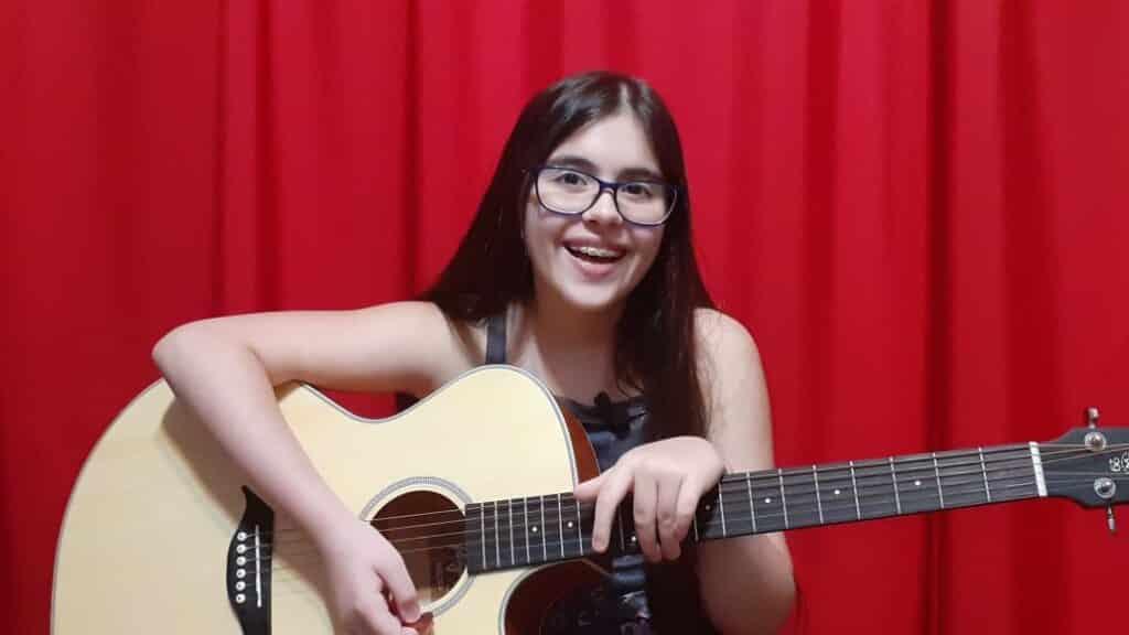 Lorena Santos entrevista ao canal Estrelas do Cineplaneta