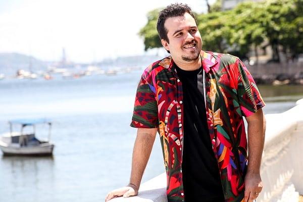 Massa lança clipe de estreia com tempero latino e participação de Zeca Baleiro