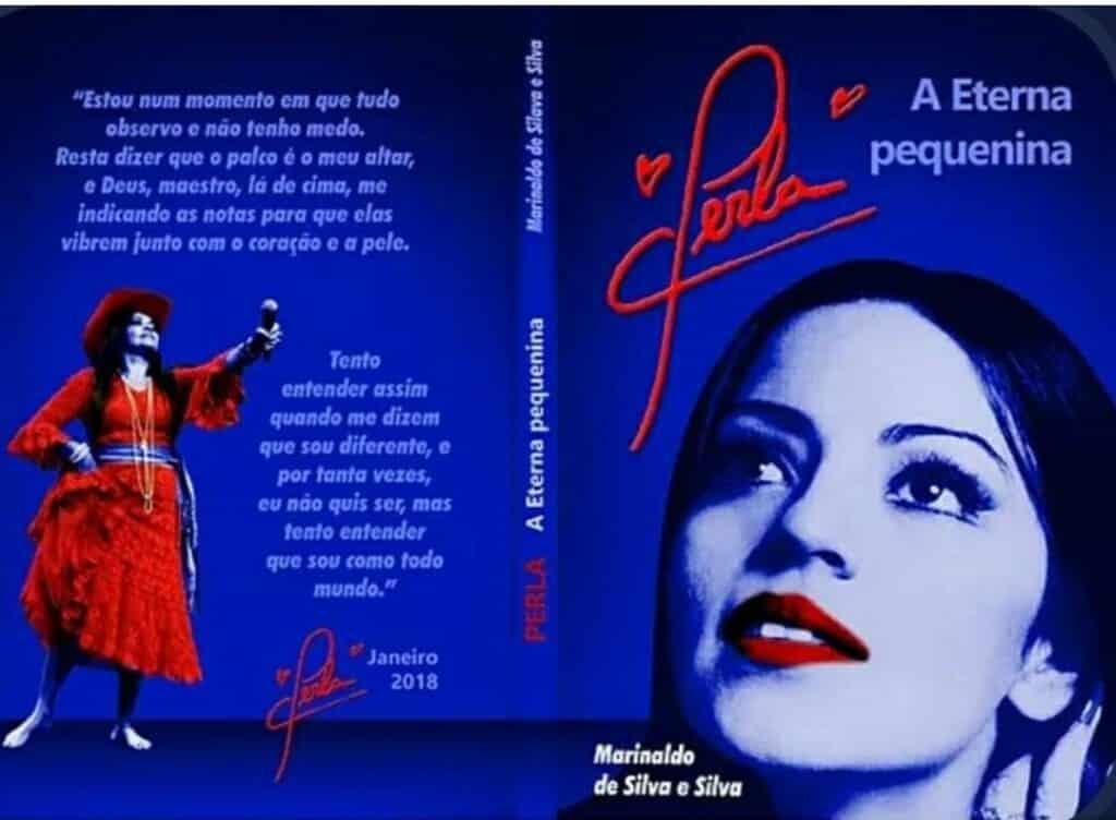 Sem shows, Perla a eterna pequenina, faz lives e lança livro biográfico