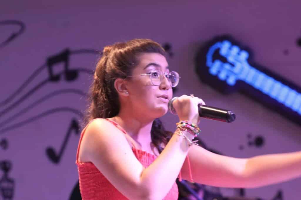 Alana Maricato Alcantara entrevista ao canal Estrelas do Cineplaneta