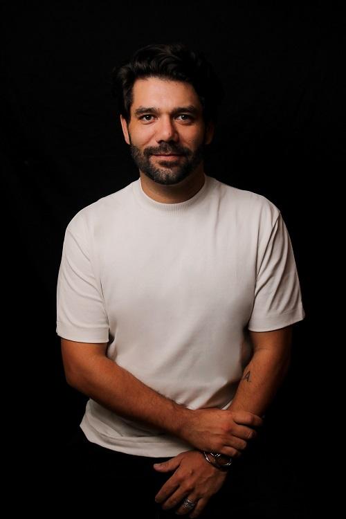 Diretor Diego Esteve lança seu primeiro longa 'Silencio'