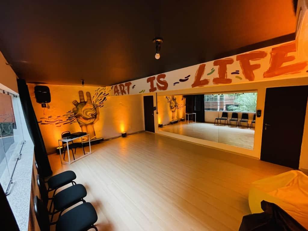 In Cena, novo espaço para aprendizado e prática das artes cênicas,