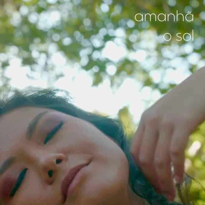 Leveza e poesia marcam Amanhã o Sol, novo single da cantora Vivi Rocha