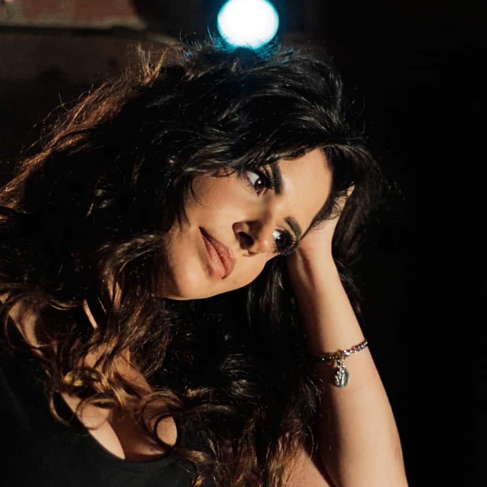 Roberta Spindel celebra novo single e um milhão de views com show no Hotel Fairmont
